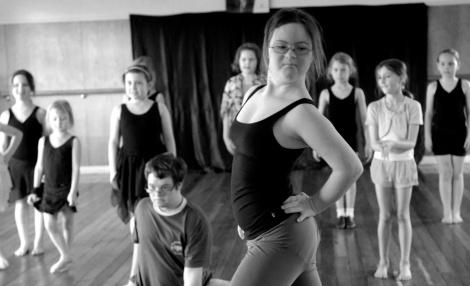 Tara & Sprung!! dancers
